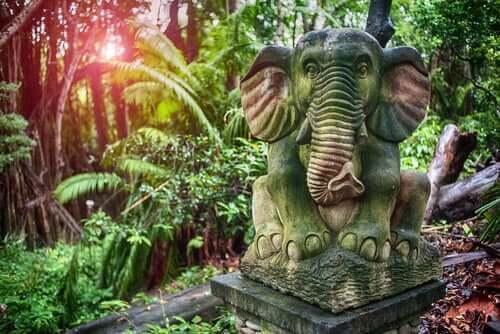 fil heykeli