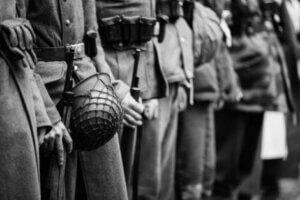 İkinci Dünya Savaşı ve hizalanmış askerler