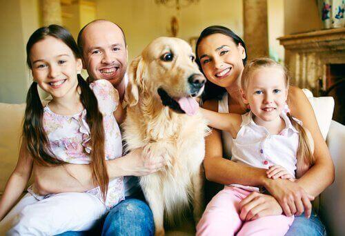 köpeği olan aile